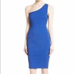 🆕 Diane Von Furstenberg One Shoulder knit Dress.